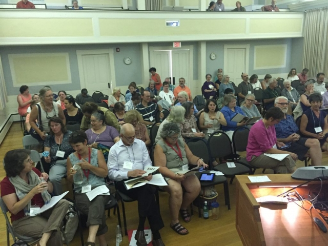 Photo of audience at the Flax & Linen Symposium 2016